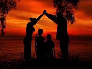 family-1466260_640